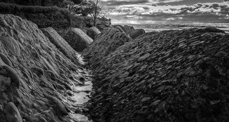 Shoreline, Presqu'ile Provincial Park, Ocotber 12, 2018, Canon 7D Mark II, 20mm, 1/125, F16, ISO 200