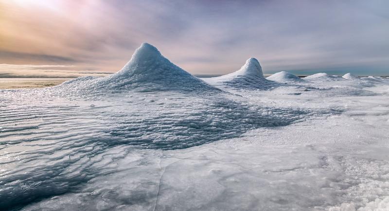 Morning snowscape, Presqu'ile Povincial Park, January 22, 2019, Canon EOS R, 24-105mm, 1/100, F9, ISO 50