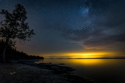 Night sky at Point Petre, Prince Edward County, Canon 6D, Sigma 20mm, 20 sec, F1.4, ISO 1250