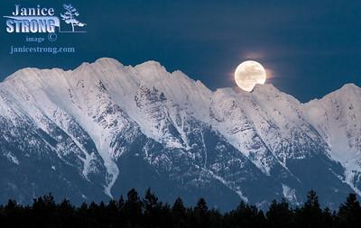 Steeples-Rising-Full-Moon-2092