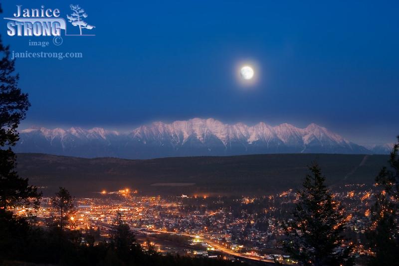 211_1132 Steeples Cranbrook Moon
