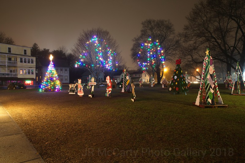 Park at Southbridge with Chrastmas lights