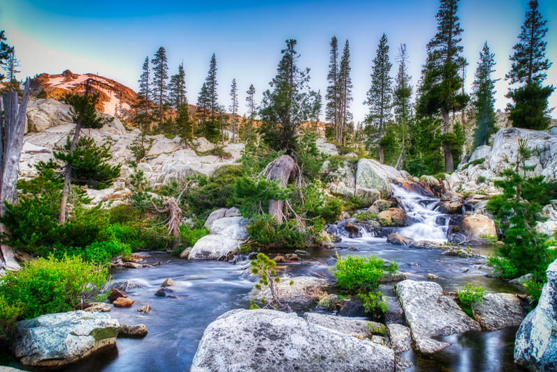 Streams flowing through the 5 Lakes Basin