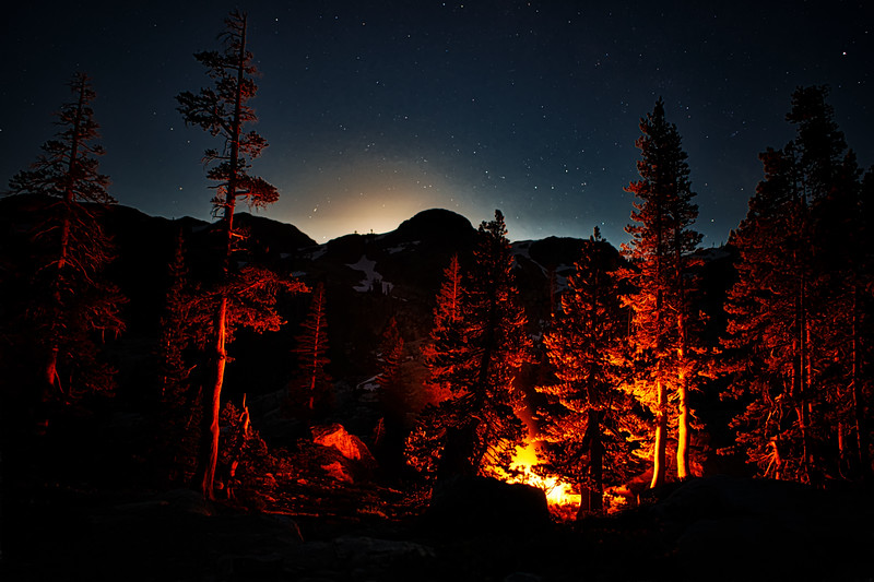 Moonrise over our camp in the 5 Lakes Basin