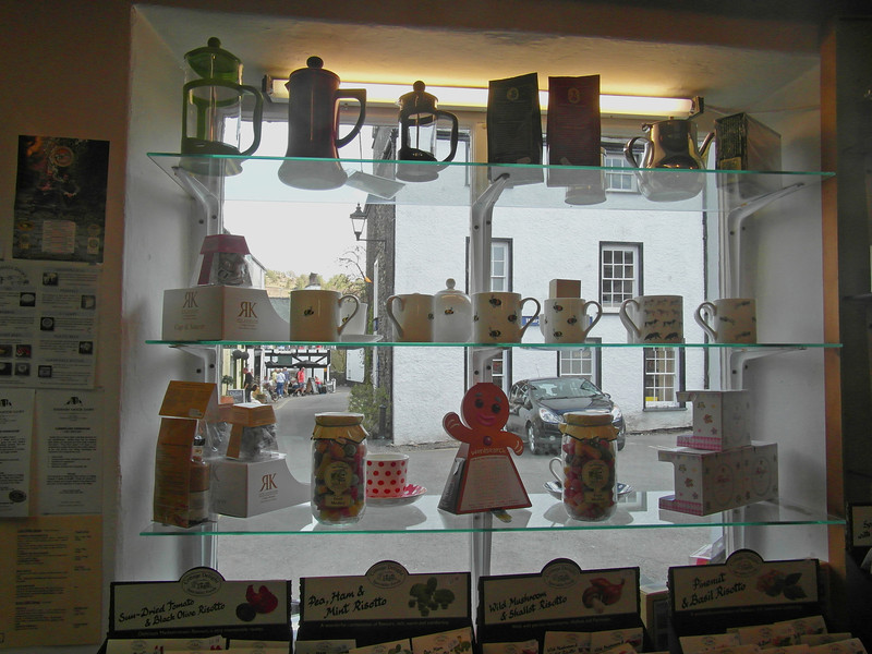 TS 13 Tea Window