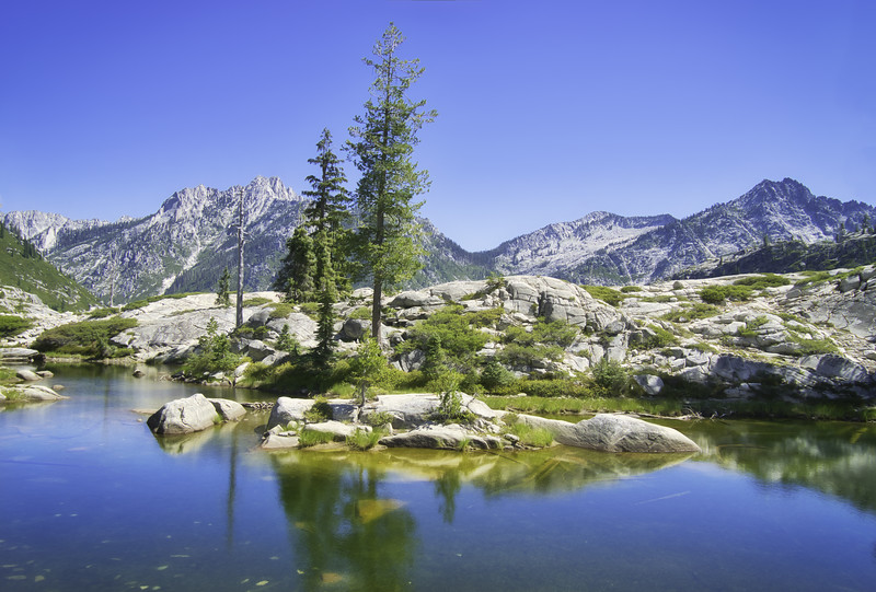 Boulder Creek Lakes Basin with Sawtooth Peak off in the distance