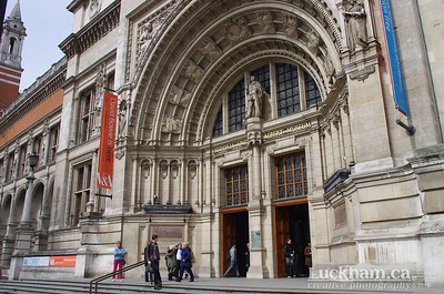 London is... going to the Victoria and Albert Museum