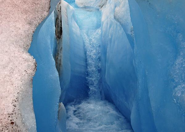 ALS_1834-Glacier-Waterfall