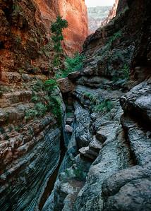 00056_s_r13akk2ej4e0056-5x7-Side Canyon