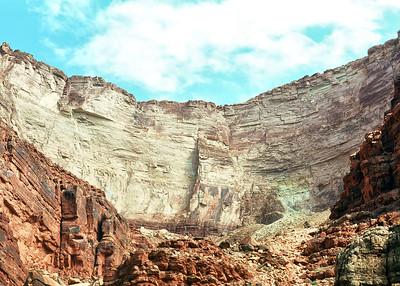 00028_s_r13akk2ej4e0028-7x5-Canyon