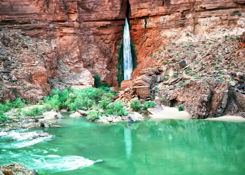 00198_s_r13akk2ej4e0198-7x5-Waterfall