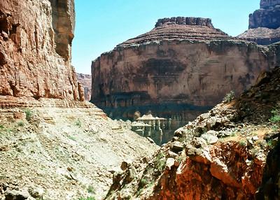 00062_s_r13akk2ej4e0062-7x5-Garnd Canyon