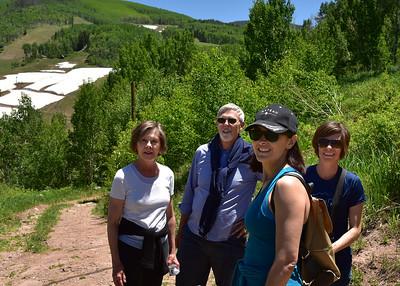 NEA_3607-7x5-Hikers
