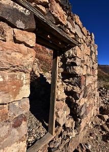 NEA_8538-5x7-Old stone house