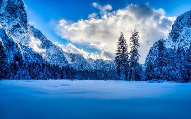 A snowy Yosemite Valley sunset