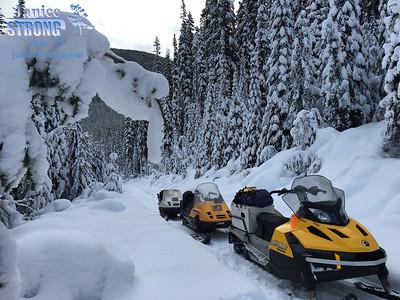 Backcountry -snowmobiles- 0577-1