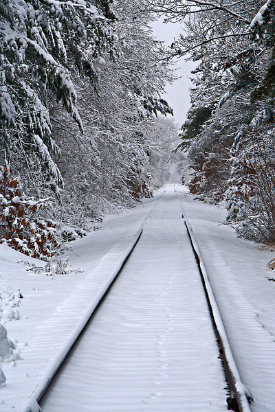 NA 48 Snowy Rails