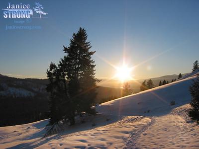 161-6195 EAger-hills-Sun & Snow fewer prints