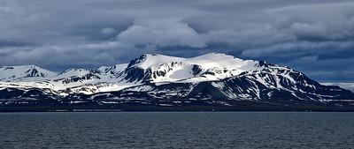 ART_0046-Longyearbyen shore