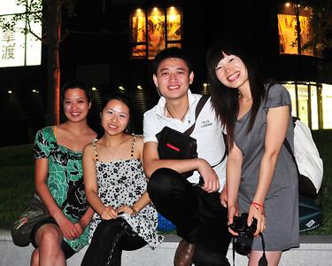 CHI_0321-10x8-Friends