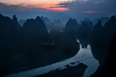 CHI_1654-Xianggong Hill-Early Light