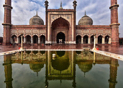 IND_0021-7x5-Mosque-Reflection