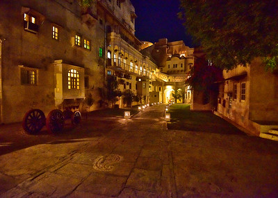 IND_0588-7x-Mandawa Castle at Night