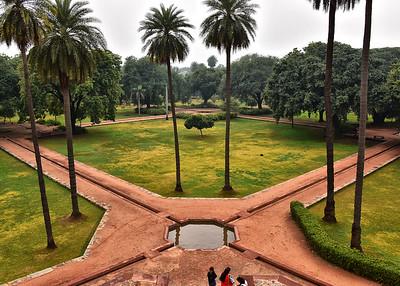 IND_0205-7x5-Humayuns gardens