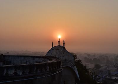 IND_0610-7x5-Hazy sunrise-Mandawa