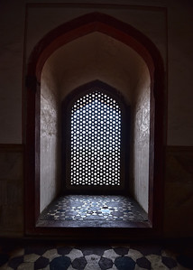 IND_0211-5x7-Window