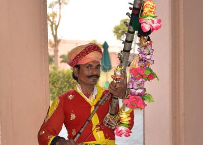IND_0952-7x5-Man playing Music