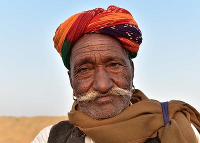 IND_1744-7x5-Old Man