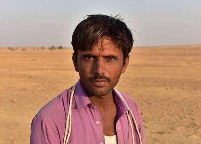 IND_1669-7x5-Camel driver