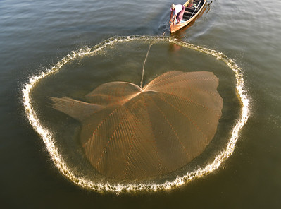 MYA_3276-Throwing Fishing Net