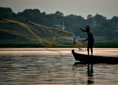 MYA_3099-Throwing FishNet