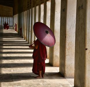 MYA_2030-Monk in Hall