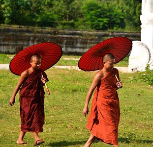 MYA_3411-Boy Monks