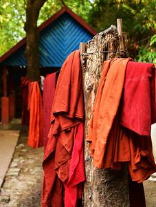 MYA_2898-Robes