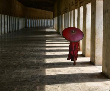 MYA_1999-Monk in Hall