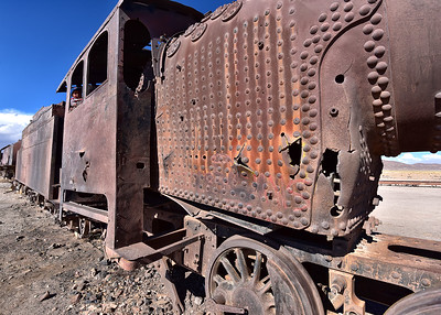 BOL_1491-7x5-Railroad graveyard