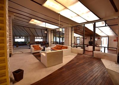BOL_1566-7x5-Public lounge
