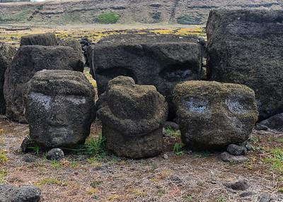 EAS_1374-7x5-Moai heads