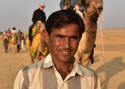 IND_1670-7x5-Camel Driver