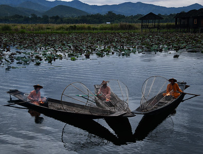 MYA_6327-Fishermen-Early Light