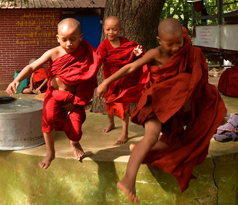 MYA_2064-Boy Monks