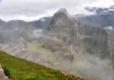 ECQ_5793-Fog-Machu Picchu