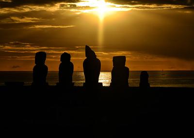 EAS_3263-7x5-Moai Sunset