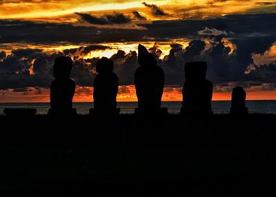 EAS_1069-7x5-Moai at Sunset