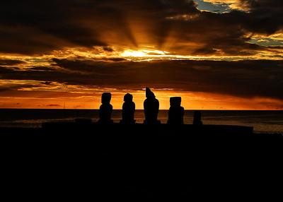 EAS_3294-7x5-Moai Sunset