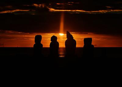 EAS_3316-7x5-Moai Sunset